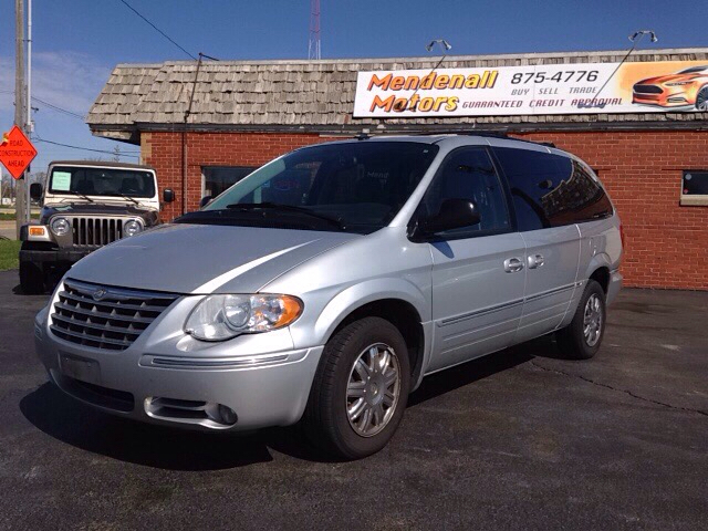 2007 chrysler town and country limited 4dr extended mini for Mendenall motors decatur il