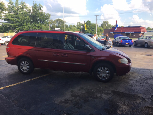2007 Chrysler Town and Country Touring 4dr Extended Mini-Van - Loves Park IL