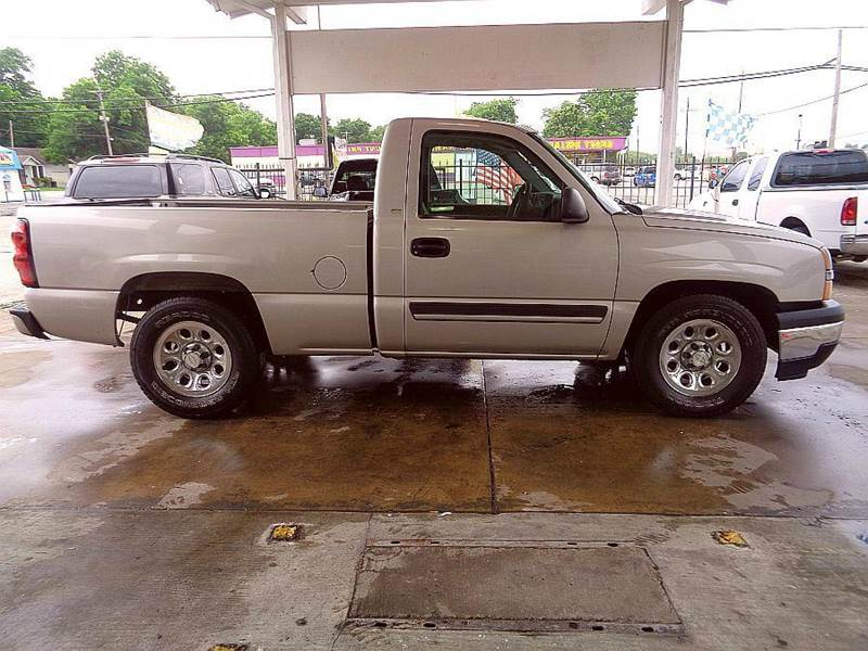 2005 chevrolet silverado 1500 2dr regular cab work truck 4wd lb in baytown tx harry 39 s auto sales. Black Bedroom Furniture Sets. Home Design Ideas
