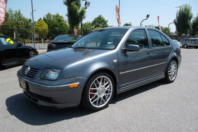 2005 VOLKSWAGEN JETTA GLI 18T gray -this is truly a clean and rare volkswagen jetta gli with a cl