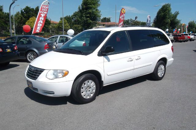 2005 CHRYSLER TOWN  COUNTRY LX white -this is a very clean vehicle with a clean title  -financin