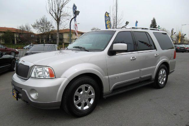 2003 LINCOLN NAVIGATOR PREMIUM 4WD silver -this is truly a clean and original vehicle with a clean