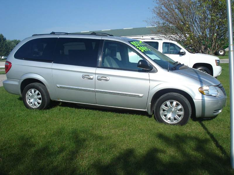 2005 chrysler town and country touring 4dr extended mini van in glidden ia glidden car corner. Black Bedroom Furniture Sets. Home Design Ideas