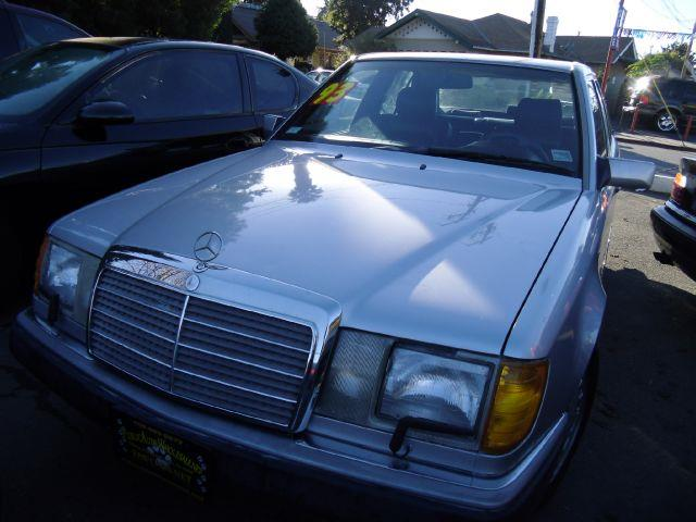 1993 MERCEDES-BENZ 300 300E silver abs brakesair conditioningalloy wheelsanti-brake system 4-w
