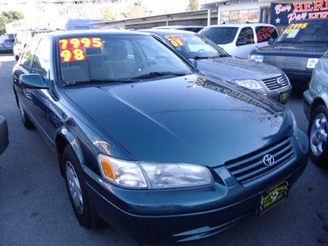 1998 TOYOTA CAMRY LE green air conditioningamfm radioanti-brake system non-abs  4-wheel absa