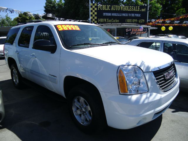 2012 GMC YUKON SLT white 3rd row seat4 door4 wheel driveair conditioningalloy wheelsamfm rad