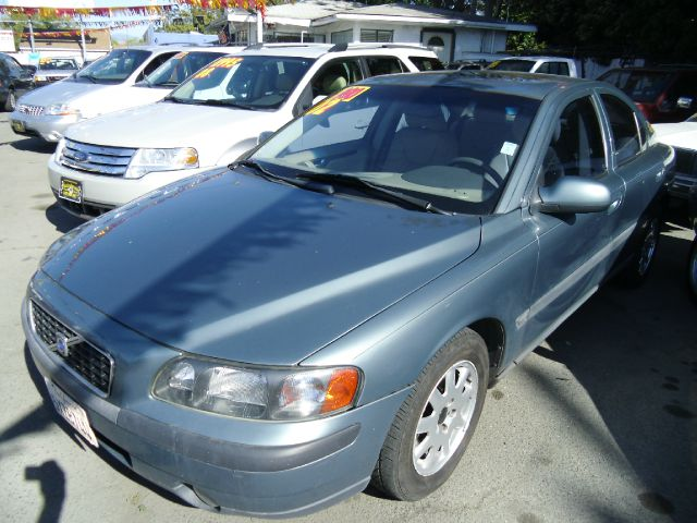 2002 VOLVO S60 green 4 doorair conditioningalloy wheelsamfm radioantilock brakesautomatic tr