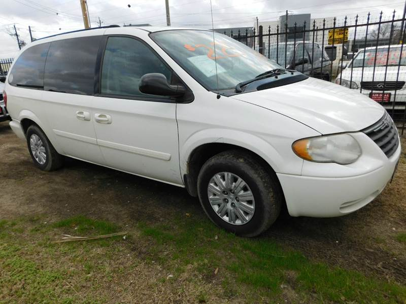 2005 chrysler town and country lx 4dr extended mini van in houston tx fair deal auto sales inc. Black Bedroom Furniture Sets. Home Design Ideas