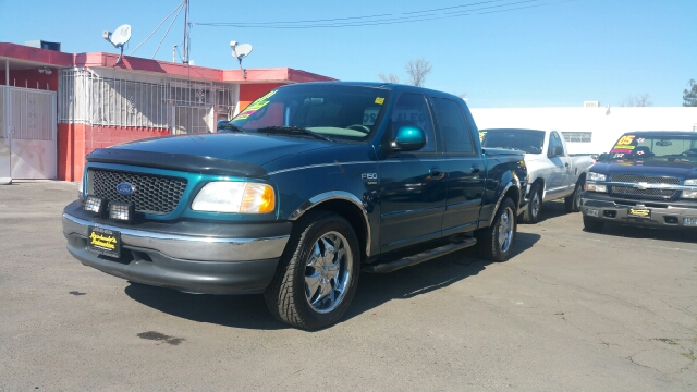 2001 ford f 150 xlt 4dr supercrew 2wd styleside sb in modesto ca arredondo 39 s automotive. Black Bedroom Furniture Sets. Home Design Ideas
