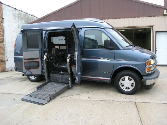 1999 Chevrolet Express for sale in North Kansas City MO