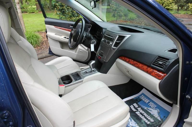 2011 Subaru Outback 2.5i Limited AWD 4dr Wagon - Hillsboro OR