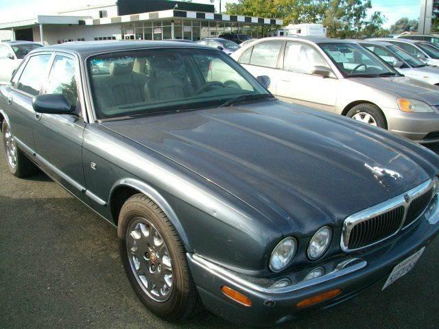 2000 jaguar xj series xj8 4dr sedan in ukiah ca mendocino auto auction. Black Bedroom Furniture Sets. Home Design Ideas