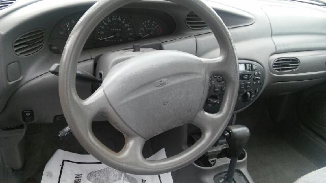 Ford Escort 2000 Fiche technique Auto123