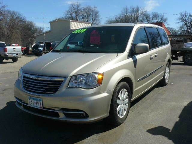 2014 Chrysler Town and Country Touring 4dr Mini-Van - Montevideo MN
