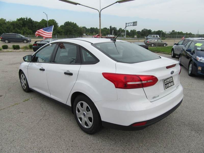2015 Ford Focus S 4dr Sedan - St. Charles MO