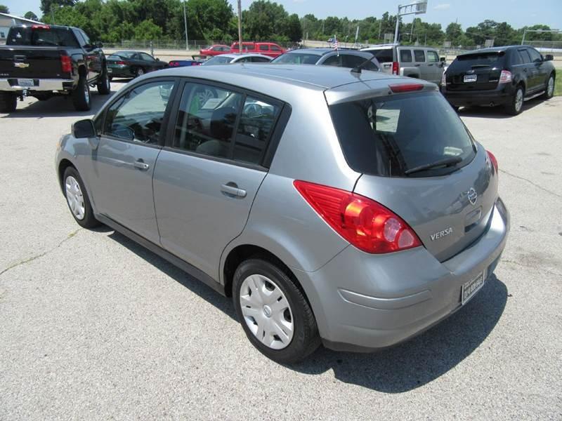 2011 Nissan Versa 1.8 S 4dr Hatchback 4A - St. Charles MO