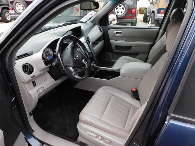 2011 Honda Pilot 4x4 EX-L 4dr SUV w/Navi - St. Charles MO