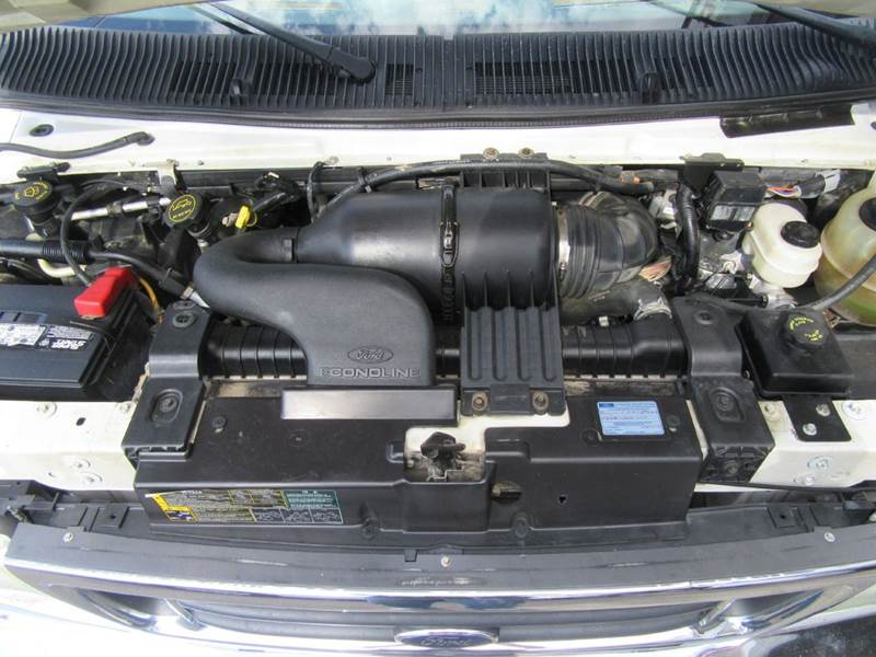 2005 Ford E-350 Cutaway Van - St. Charles MO