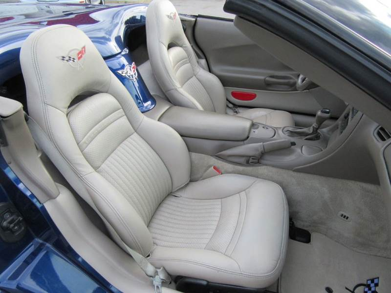 2004 Chevrolet Corvette 2dr Convertible - St. Charles MO