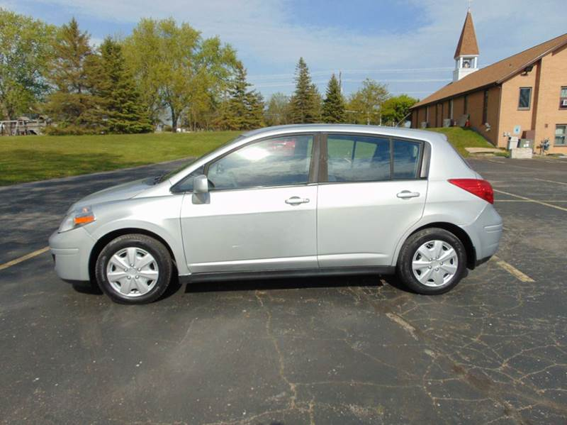 2008 Nissan Versa 18 S 4dr Hatchback 4a In Union Grove Wi The Car