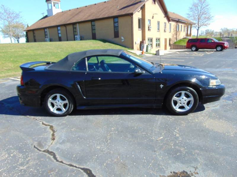 2002 Ford Mustang Deluxe 2dr Convertible - Union Grove WI