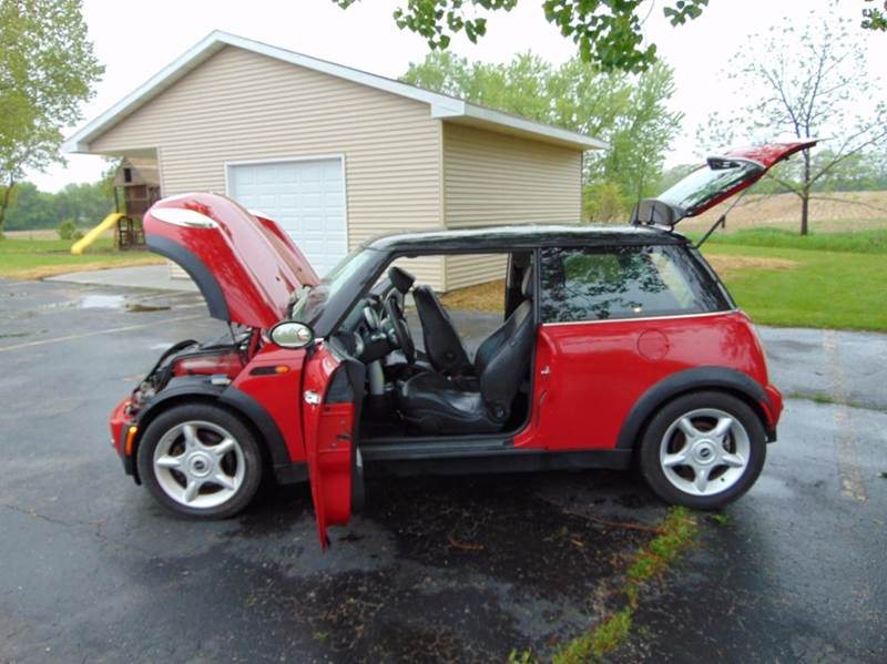 2003 MINI Cooper 2dr Hatchback - Union Grove WI