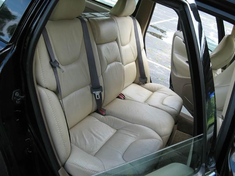 2001 Volvo V70 AWD 4dr XC Turbo Wagon - Union Grove WI