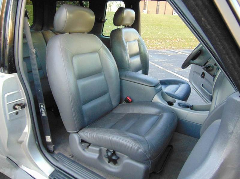 2002 Ford Explorer Sport 4WD 2dr SUV - Union Grove WI