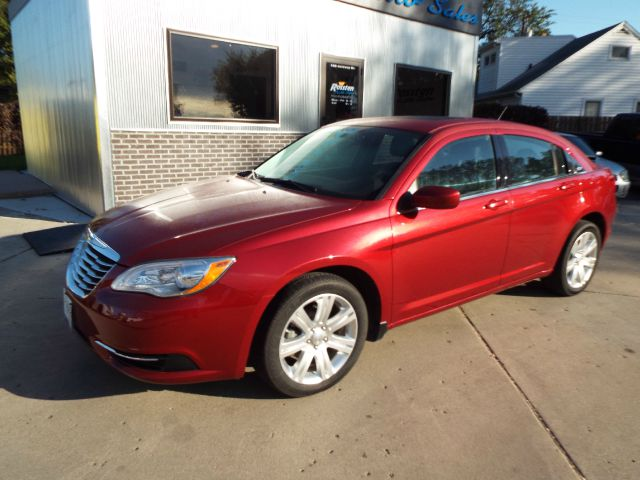 2013 Chrysler 200 for sale in GRAND FORKS ND