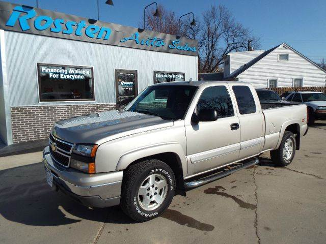 2007 chevrolet silverado 1500 classic ls 4dr extended cab 4wd 6 5 ft sb in grand forks fargo. Black Bedroom Furniture Sets. Home Design Ideas