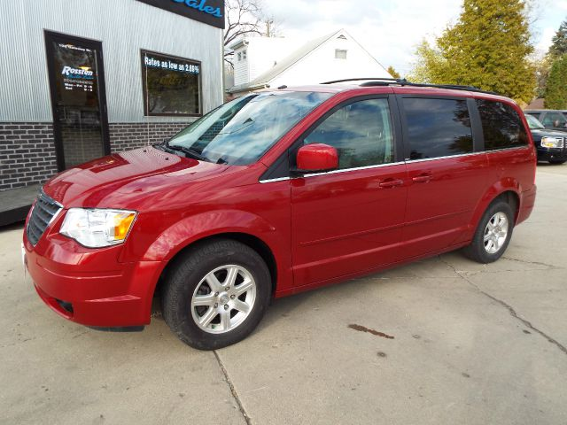 2008 Chrysler Town and Country for sale in GRAND FORKS ND
