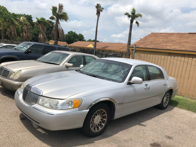 2002 Lincoln Town Car Signature 4dr Sedan In Houston Tx Astro Motors