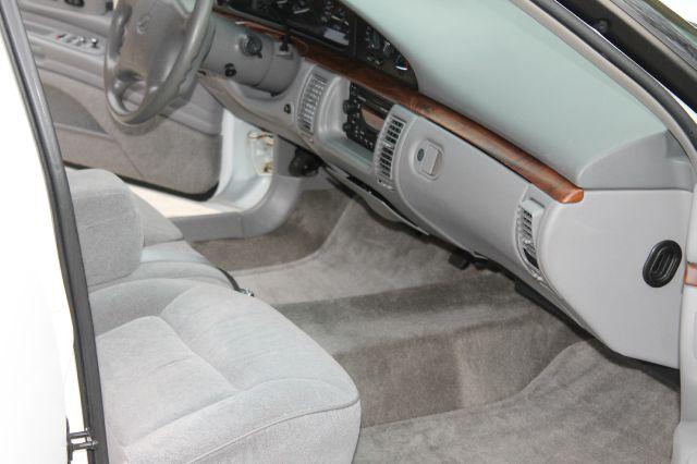 1998 Oldsmobile Eighty-Eight LS 4dr Sedan - Clarksville TN