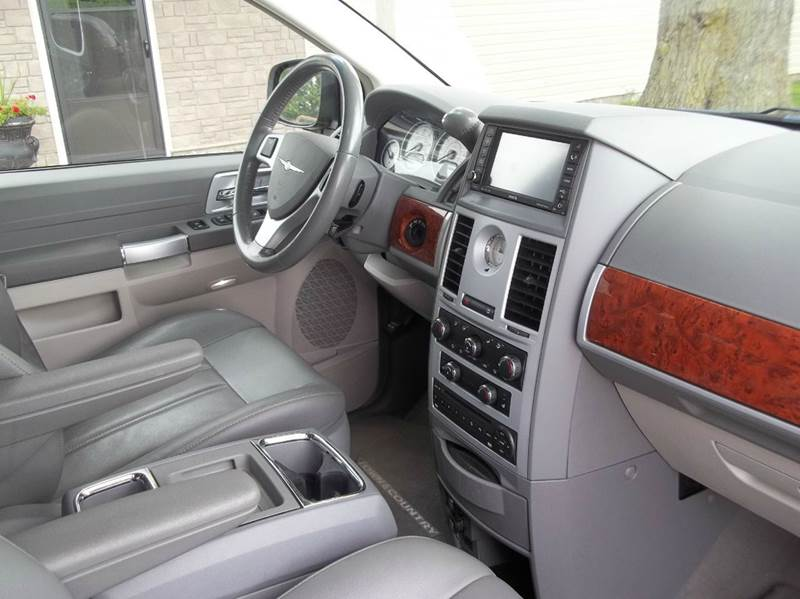 2008 Chrysler Town and Country Touring 4dr Mini-Van - Grelton OH