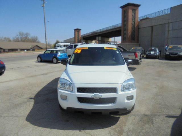 2008 Chevrolet Uplander LT 4dr Extended Mini Van - Olathe KS