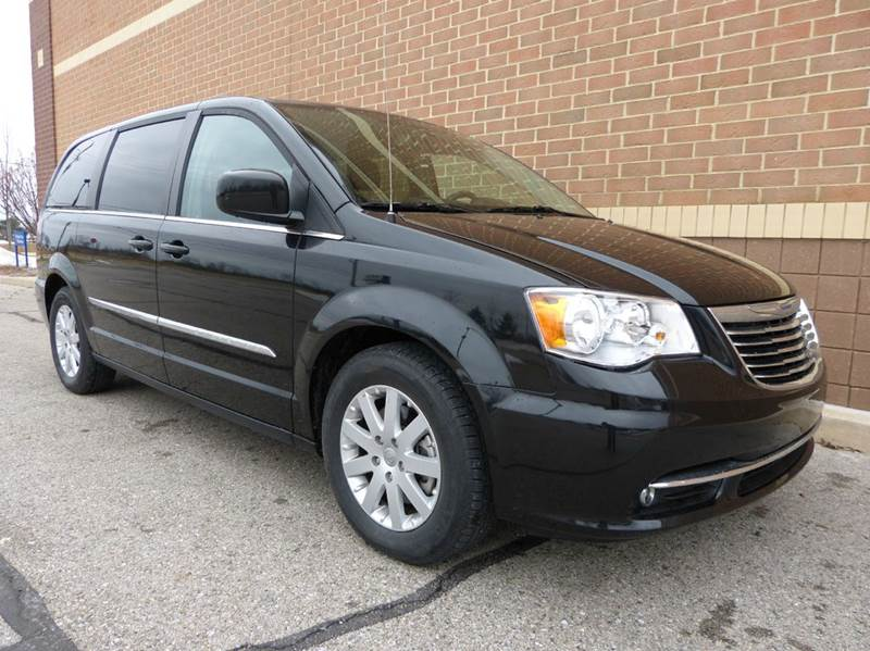 2015 chrysler town and country touring 4dr mini van in new haven mi. Cars Review. Best American Auto & Cars Review