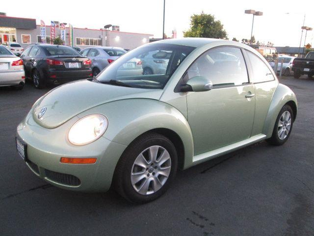 2009 Volkswagen New Beetle Base PZEV 2dr Hatchback 6A - Hayward CA