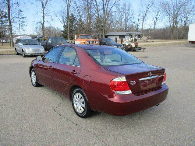 2005 Toyota Camry LE 4dr Sedan - Inver Grove Heights MN
