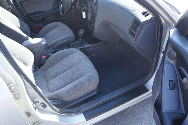 2001 Hyundai Elantra GLS 4dr Sedan - Milton NY