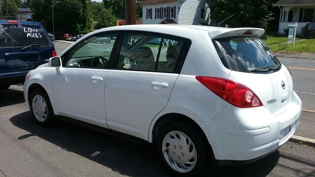 2008 Nissan Versa 1.8 S 4dr Hatchback 4A - Vernon Rockville CT