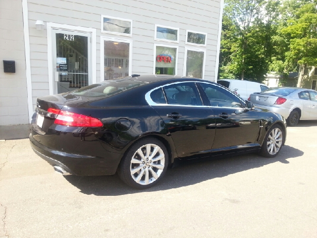 2010 Jaguar XF Premium 4dr Sedan - Vernon Rockville CT