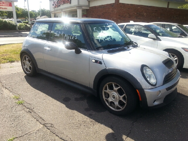 2004 MINI Cooper S 2dr Supercharged Hatchback - Vernon Rockville CT