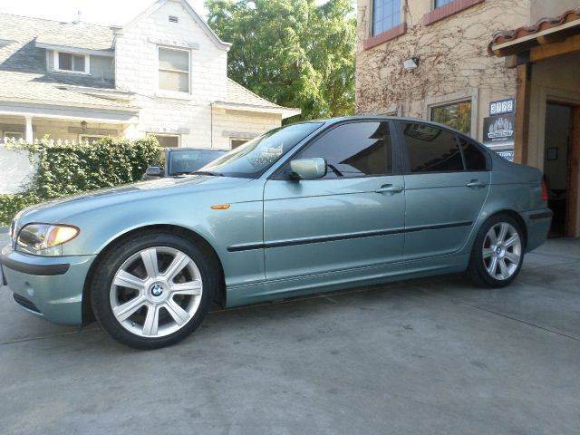 2002 BMW 3 SERIES 325I 4DR SEDAN light green power sun roof power lockspower windows power sea