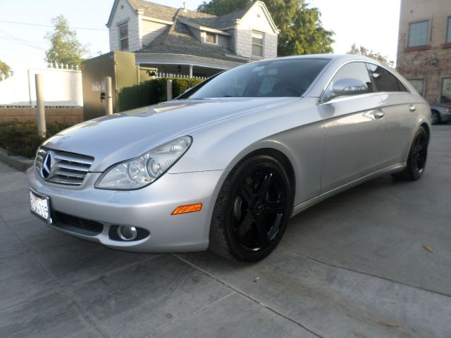 2006 MERCEDES-BENZ CLS-CLASS CLS500 silver yes we do hard things here at wwg1motorscom all typ