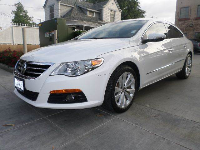2009 VOLKSWAGEN CC SPORT 4DR SEDAN white power lockspower windows power seats amfm cd stereo