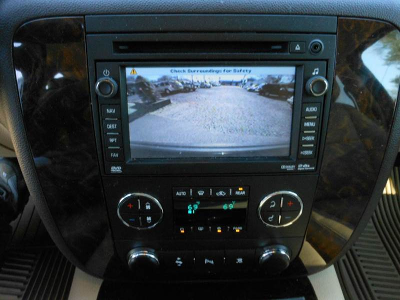 2010 GMC Yukon XL AWD Denali XL 4dr SUV - Highland Park NJ