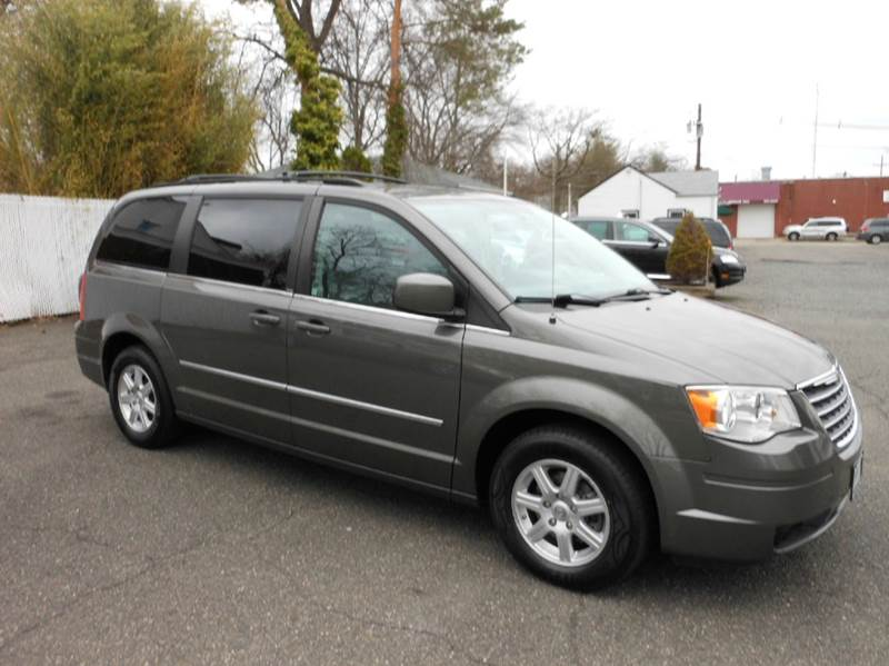 2010 Chrysler Town and Country Touring 4dr Mini-Van - Highland Park NJ