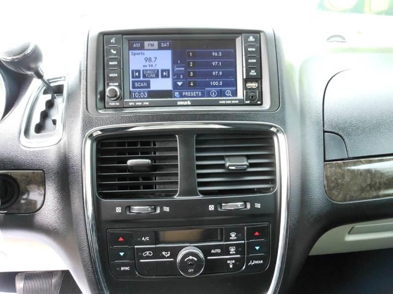 2011 Dodge Grand Caravan Crew 4dr Mini-Van - Highland Park NJ
