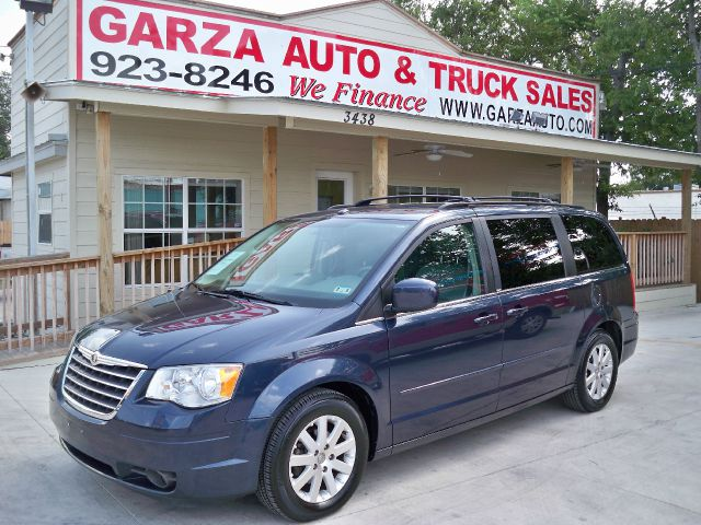 2008 Chrysler Town and Country for sale in San Antonio TX