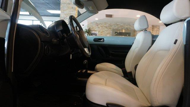 2010 Volkswagen New Beetle PZEV 2dr Convertible - Palatine IL